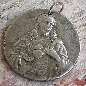 Jewelry - Vintage Religious Sacred Heart Pendant